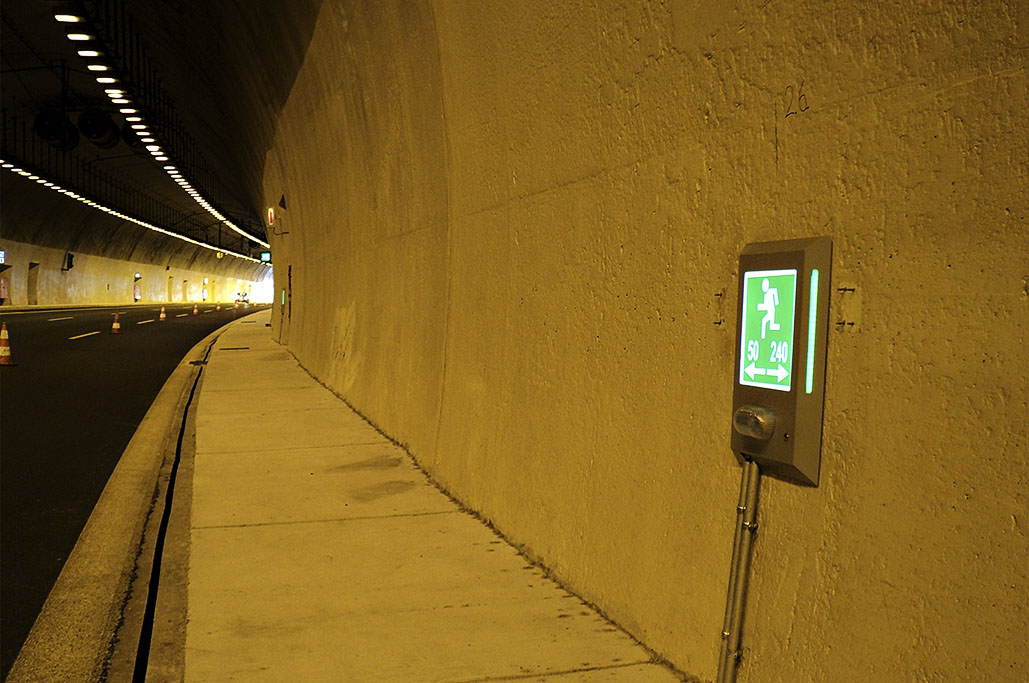 Tunnel Evacuation Sign